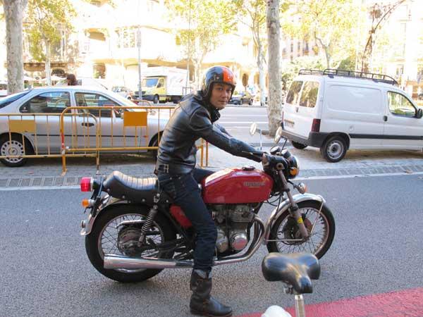 leather-jacket,-motorbike-fashion